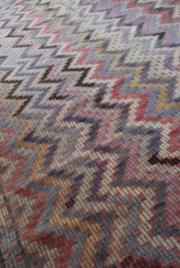 Smukt-kelimtaeppe-i-daempede-farver-str-163-x-270-cm