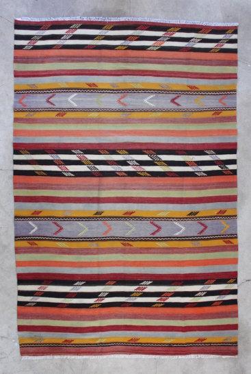Flot-stribet-kelimtaeppe-i-str-174-x-271-cm