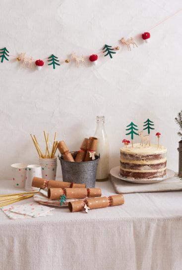 Opdaekket-bord-med-woodland-tema