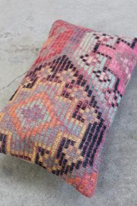 Kelimpude-med-pink-farver-nr-996-til-kr-399,-