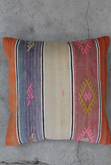 stribet-kelimpude-med-rosa-farver-nr-743