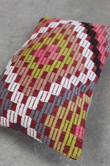 Kelimpude-nr-881-med-fine-rosa-farver