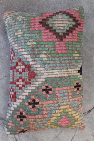 Smuk-kelimpude-i-pastel-farver-nr-979