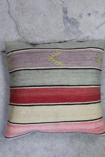 Kelimpude-i-rosa-farver-nr-525