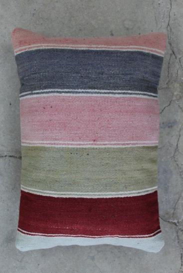 Aflang-kelimpude-med-rosa-farver-nr-609