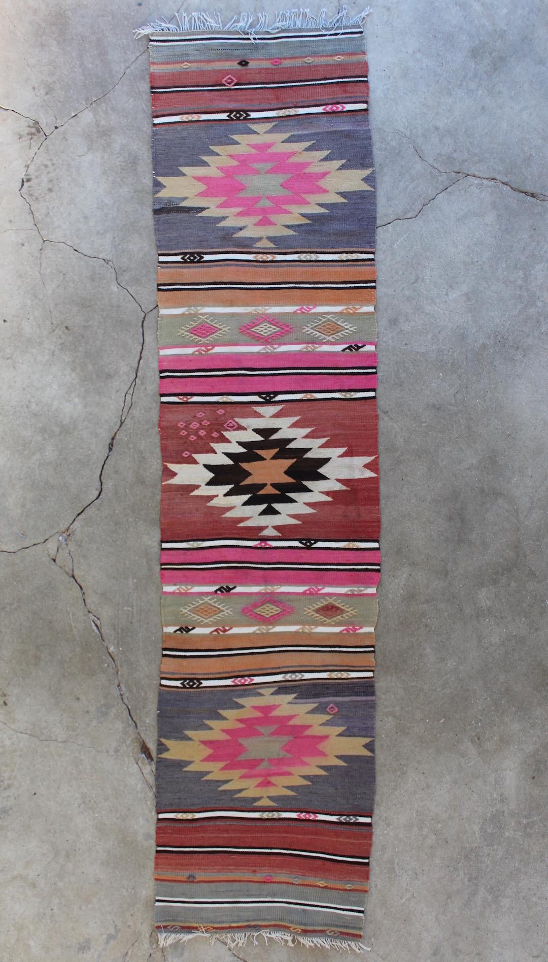 Flot-kelimloeber-med-pink-farver-str-55-x-233