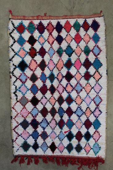 Super-smukt-taeppe-fra-Marokko-med-maalene-129-x-200-cm