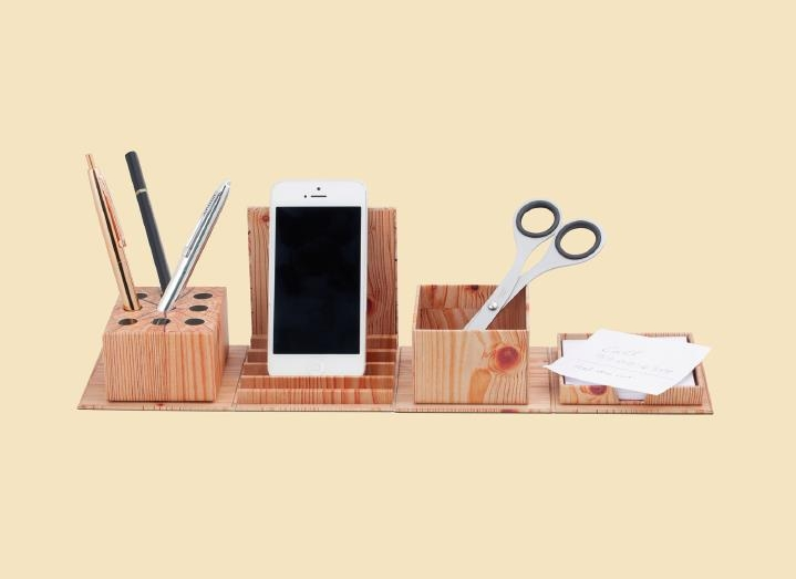 fold-out-box-with-pens