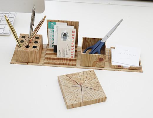 fold-out-box-on-desk