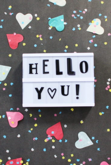 Hello-you-bogstaver-paa-lightbox