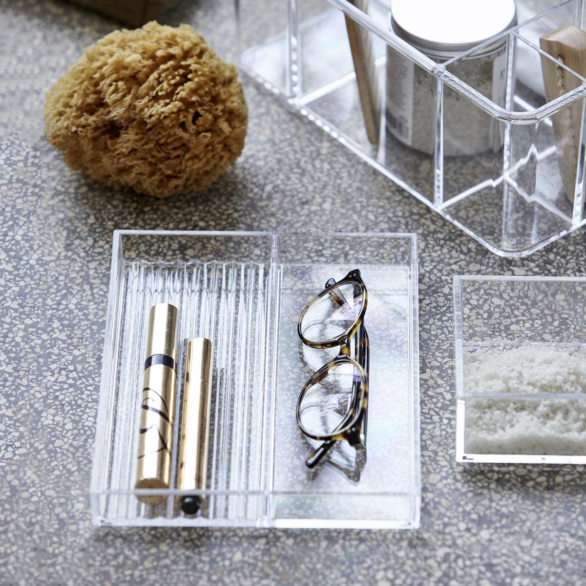 Bakke-akryl-klar-paa-badevarelset
