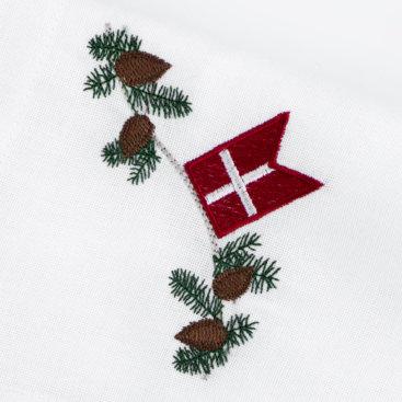 Broderet-flag-taet-paa
