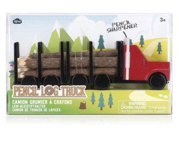 Farveblyanter-lavet-som-traestammer-paa-lastbil