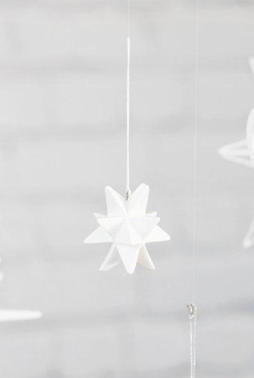 Fine-stjerner-i-hvid-keramik