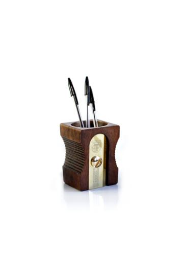 Blyantsholder-som-blyantsspidser-moerk