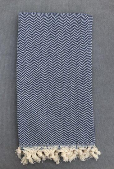 hammam-haandklaede-i-blaat-zigzag-moenster