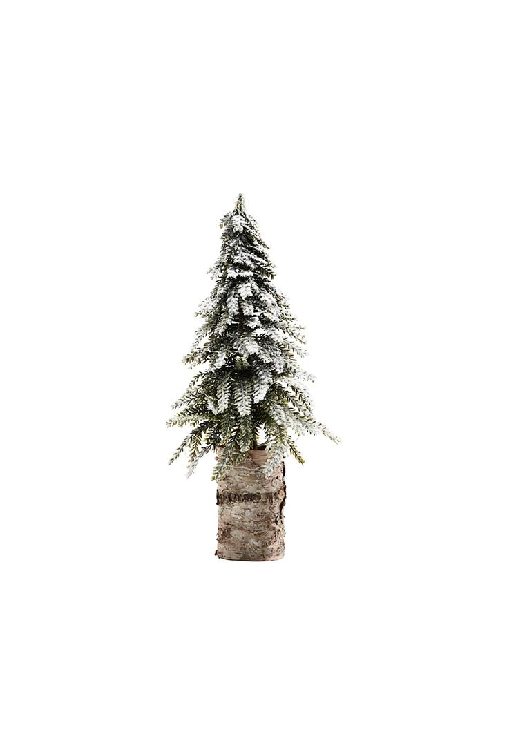 Stort-juletrae-med-sne-og-lys