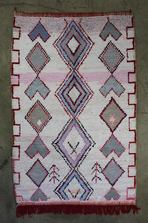 Stort-flot-berber-taeppe-maal-139-x-226-cm