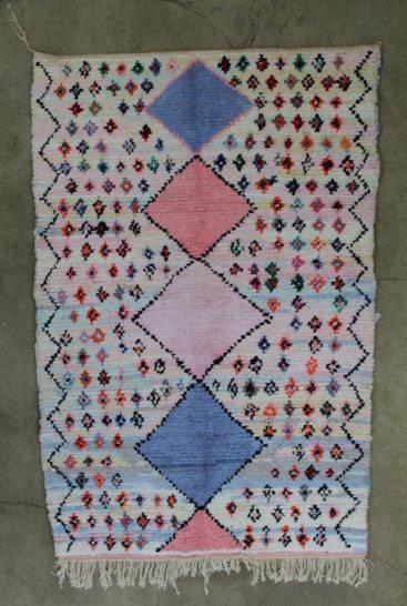 Marokkansk-taeppe-i-rosa-og-blaa-farver