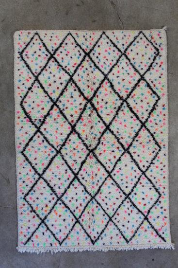 Flot-moenstret-azilal-taeppe-fra-Marokko-str-112-x-161-cm