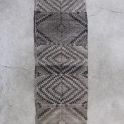 Smuk-graa-kelimloeber-str-81-x-259-cm
