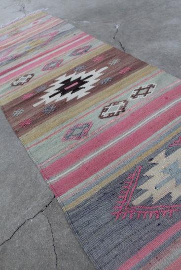 smuk-rosa-kelim-loeber-str-56-x-224