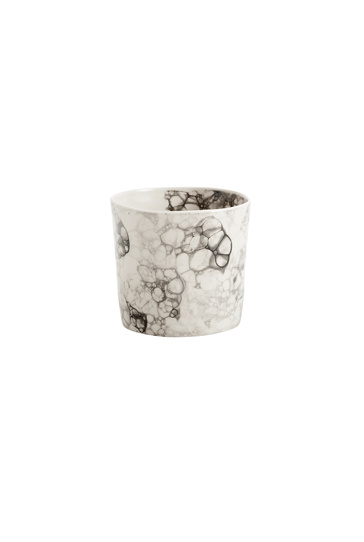 Sort-krus-i-keramik
