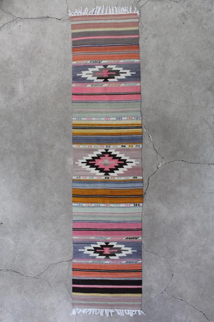Flot-rosa-kelim-loeber-i-str-56-x-250-cm