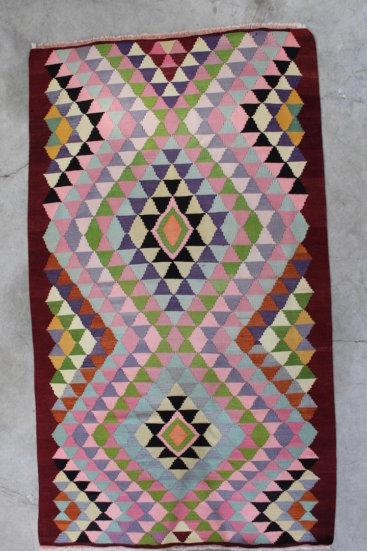 Kelimtaeppe-str-166-x-290-cm-i-rosa-farver