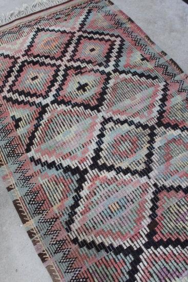 Kelimtaeppe-i-flotte-farver-str-141-x-269-cm