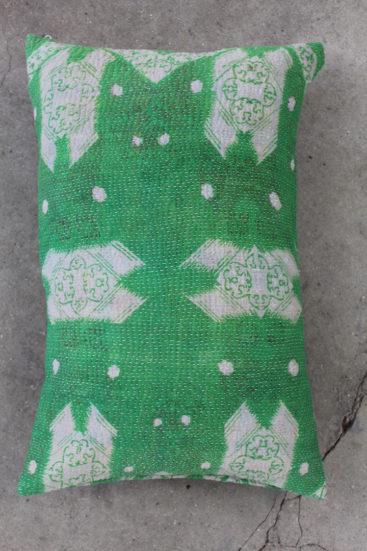 Smuk-aflang-groen-saripude-nr-012