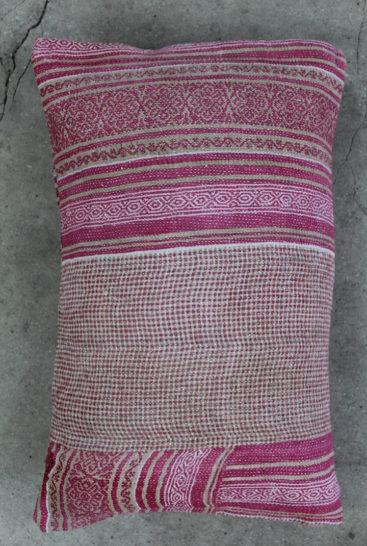 Smuk-aflang-saripude-i-pink-farver-nr-15