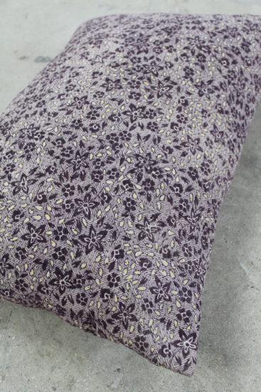 aflang-saripude-med-lilla-blomster-nummer-027