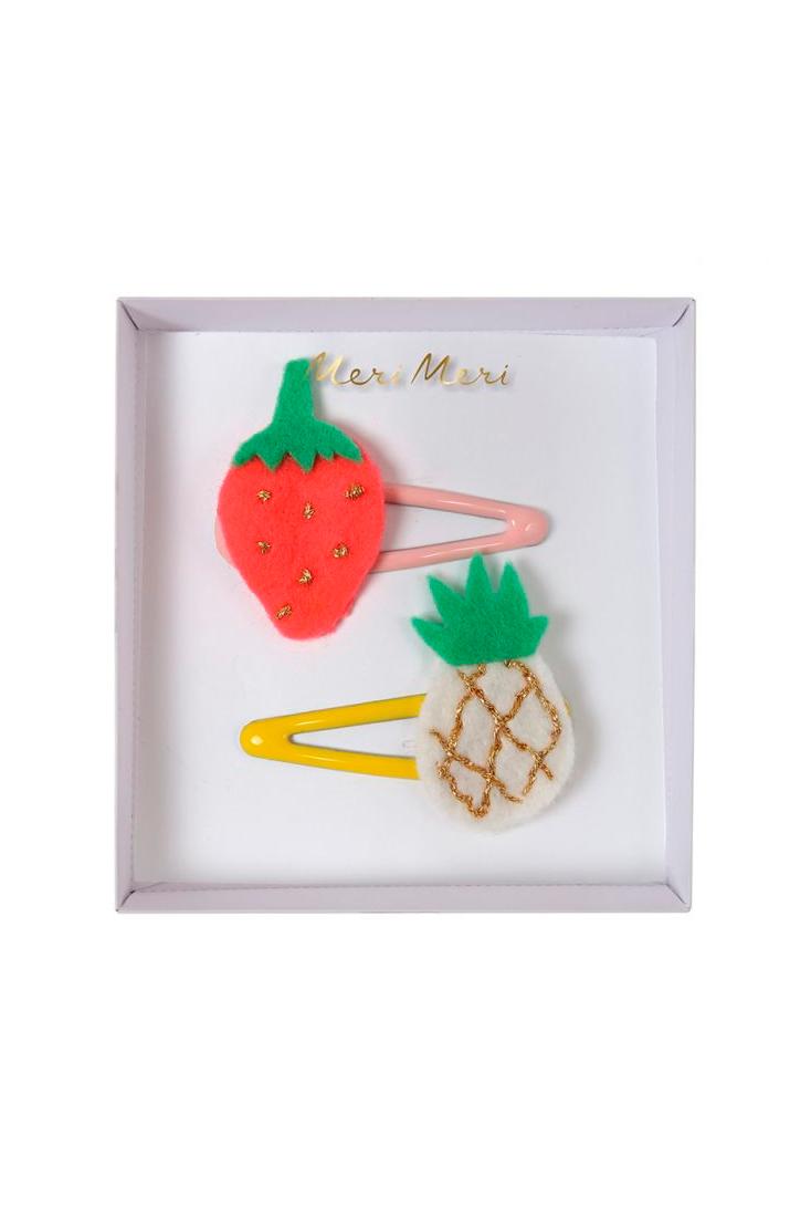 haarspaender-fra-Meri-Meri-med-jordbaer-og-ananas