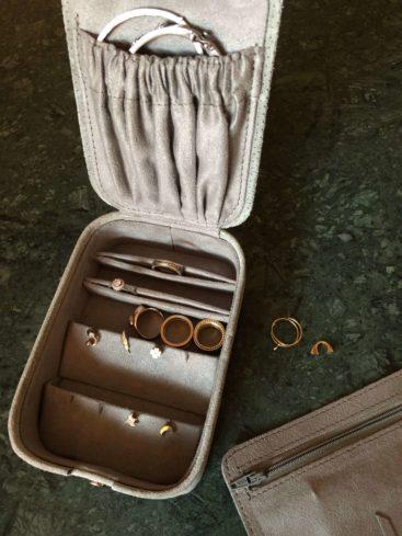 smykkeskrin-i-rejsestoerrelse