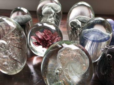 De-flotteste-brevpressere-i-massivt-glas