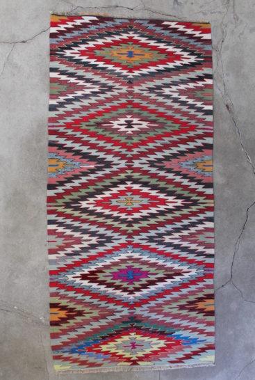 grafisk-kelimtaeppe-i-str-105-x-234-cm
