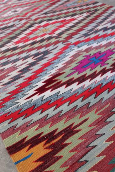 Laekkert-grafisk-kelimtaeppe-i-str-105-x-234-cm