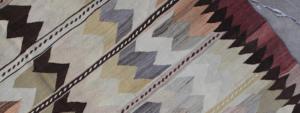 Stort-udvalg-i-smukke-vintage-kelimtaepper