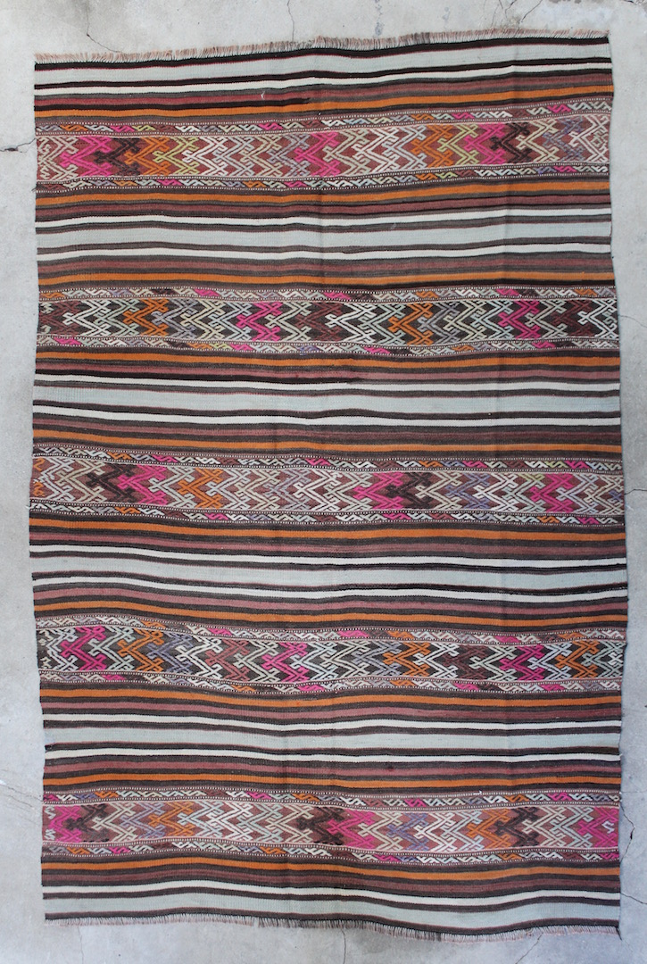 Kelimtaeppe-i-smukke-farver-str-155-x-243-cm