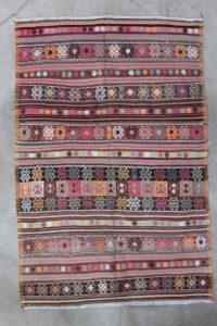 saerligt-flot-kelimtaeppe-i-str-145-x-215-cm