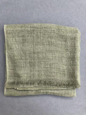 olivengroent-toerklaede-i-laekker-uld