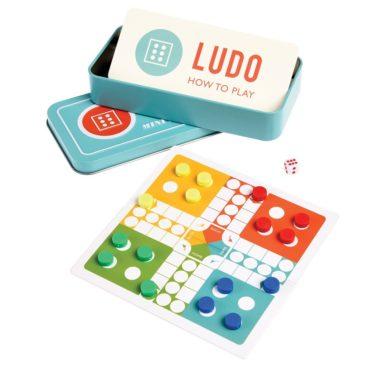 Sjovt-ludo-med-magnetiske-brikker