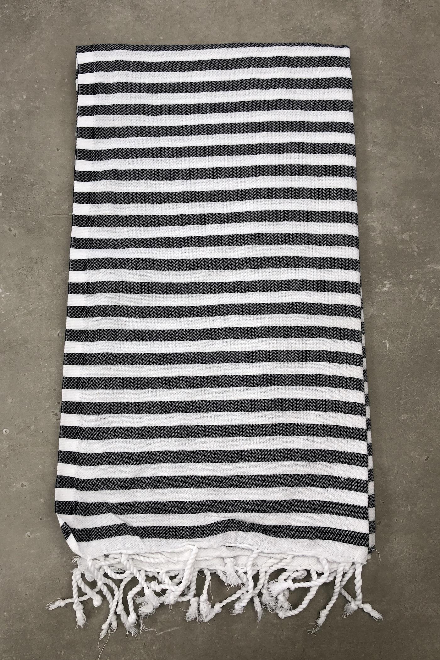 sort-og-hvid-stribet-hammam