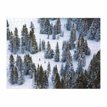 svaert-puslespil-med-skov
