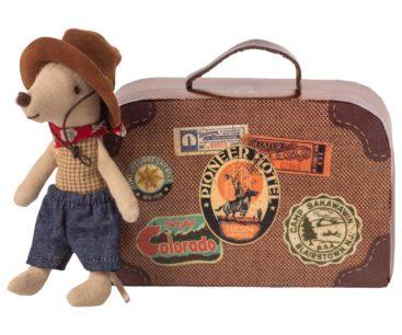 mus-cowboy-ved-kuffert