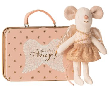 Maileg-mus-engel-ved-kuffert