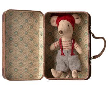 mus-nisse-nede-i-kuffert