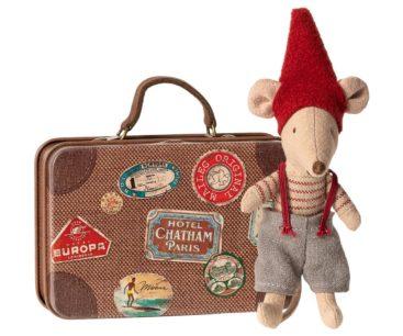 Maileg-mus-nisse-ved-kuffert