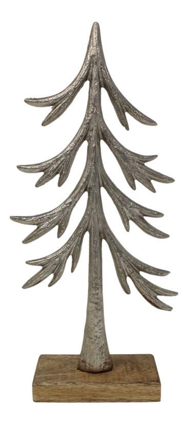 juletrae-i-metal-og-trae